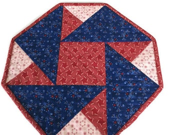 Patriotic Quilted Red White Cream Octagon Table Topper Quiltsy Handmade