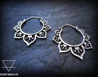 Boucles d 'oreille plaqué argent # ethnic brass earrings # mandala # silver plated # tribal hoop 18-100