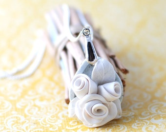 Rose pendant, Bridesmade gift| Chain necklace flowers white and grey | Sterling silver chain necklace | Polymer clay necklace