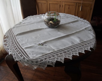 Linen Tablecloth Embroidered Scottish Thistles Crochet Lace 46 x 43