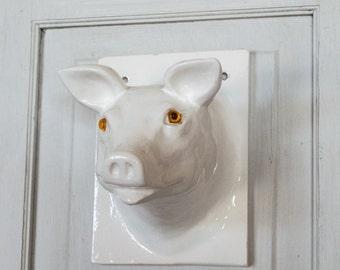 Towel Apron Wall Hanger White Ceramic Pig Farmhouse Chic Kitchen Bath Decor Wall Decor