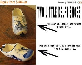 Vintage  Two Little Delft  Dutch shoes