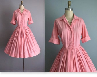 50's Shirtwaist Dress // Vintage 1950's Pink Cotton Full Pleated Garden Party Picnic Shirtwaist Dress M