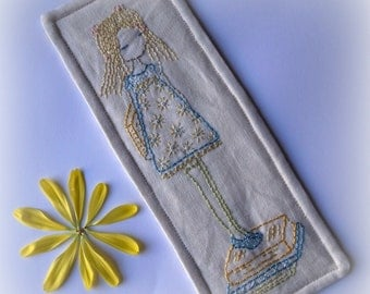 little reader bookmark embroidery pattern