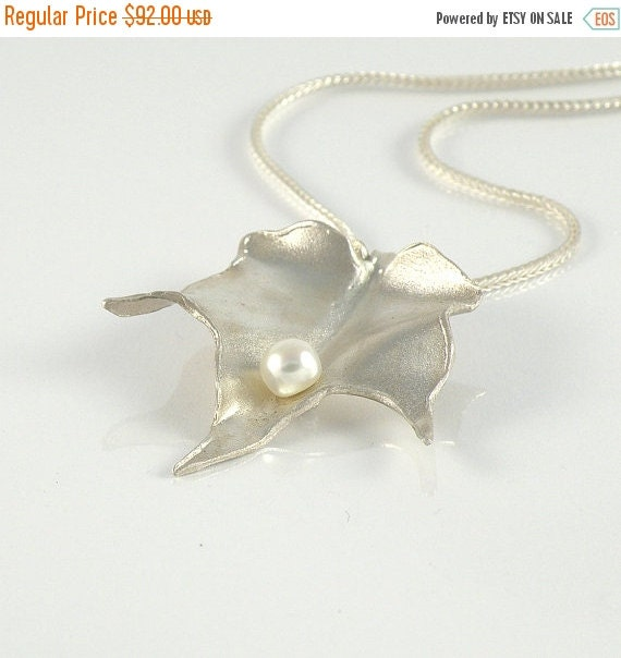 June Birthstone Leaf Jewelry Gift For Women, Leaf Necklace in Sterling Silver, Foliage Necklace Silver Leaf Pendant with White Pearl