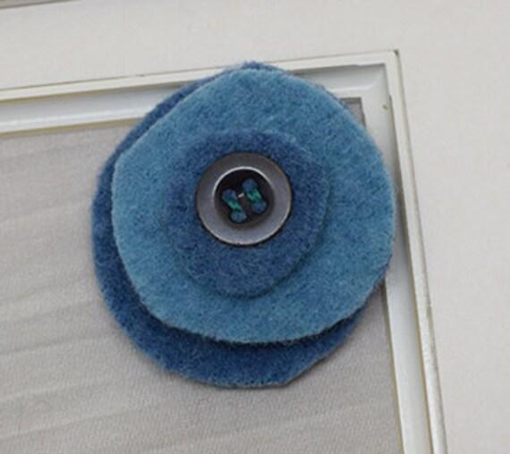 Blue poppy pin
