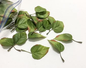 100 Small Green Leaves - Greenery, Filler, Flower Crown, Halo, Wedding, Corsage, Boutonnière, Millinery