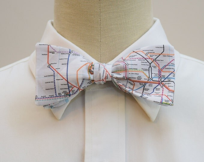 Men's Bow Tie, London Underground Map, London Tube map bow tie, Tube bow tie, London lover gift, UK wedding bow tie, British map bow tie