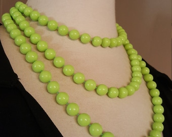 It's Not Easy Being Lime Green - Vintage Plastic Bead Necklace