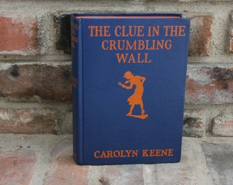 Nancy Drew The Clue in the Crumbling Wall 1945