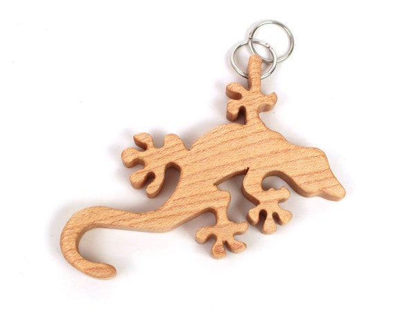 Gecko Necklace, Wood Lizard Pendant, Wooden Animal Jewelry, Gecko Fashion Accessory Gecko Fetish Necklace, Maple