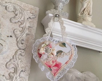 Shabby Cottage Heart