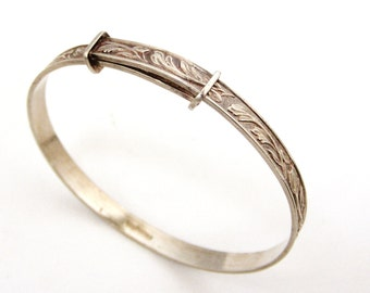 English sterling silver embossed expanding child's bracelet