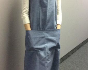 Cross Back Apron, Size Medium, Large Pinafore apron, Chambray Fabric, Japanese Utility Apron, Pinafore, smock, No Ties Apron,Jumper