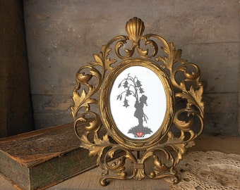 Antique Cast Metal Picture Frame Oval Gold Tone Leaves Vines 11.5 inches Tall Home Decor French Cottage Hollywood Regency