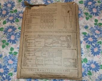 "Vintage 1920s Original Vogue Pattern 8984 Flapper Era Dress, Bust 34"", Missing Cuff Piece, All others Excellent"