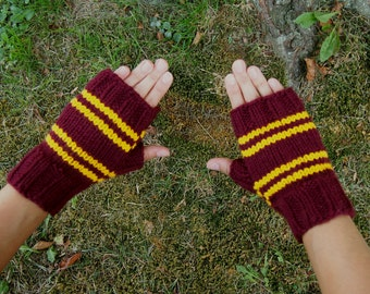 Harry Potter Inspired Gryffindor Fingerless Gloves - Texting Gloves - Wristwarmers - Red Gold Stripes Hand Knit Fingerless Mittens