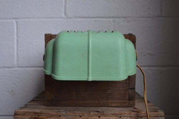 old green bakelite lamp headboard light reading light green plastic. Black Bedroom Furniture Sets. Home Design Ideas