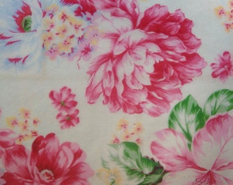 "8"" x 8"" Shabby Chic Roses white multi color edible image wafer paper sheet for your iced cake, cookies, cupcakes, chocolates"