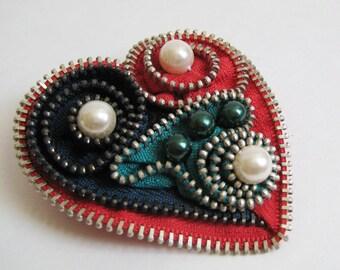 Red & Green Heart Zipper Brooch Pin