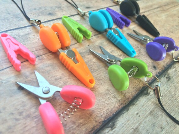 Razor sharp miniature scissors - great for plane travel/yarn/thread/embroidery/knitting/crochet!