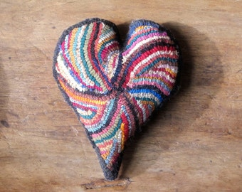 Primitive Hooked Rug Heart Hit or Miss Sachet Bowl Filler