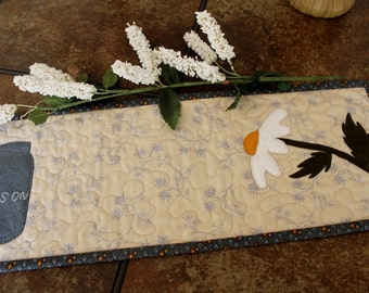 Quilted Table Topper, Quilted Candle Mat, Daisy and Mason Jar, Toilet Tank Topper