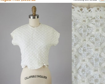 SALE 1950s Vintage Ivory Ribbon Lace Scalloped Crop Blouse (XS)