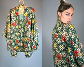 Vintage 1930's 30's Traditional Silk Kimono in Floral Print Women's One Size Fits Most Japanese High Fashion