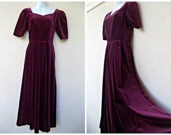 1990s Laura Ashley Velvet EVENING GOWN. Velvet Maxi Dress. Long Dress. Laura Ashley Dress. Velvet Dress. Purple Velvet Dress. Plum Dress. S