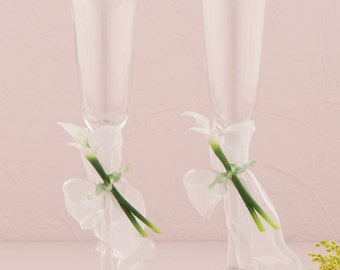 Personalized Calla Lily Lillies Wedding Toasting Champagne Flutes with Engraving Glasses Romantic Keepsake Bridal Beauty