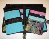 Double Tips Deluxe Spill Proof Needlecase in Sassy Leaves with Blue for tips and circs