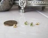 14k gold round Peridot stud earrings, 3.5mm