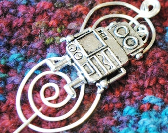 Robot Shawl Pin in Silver Wire