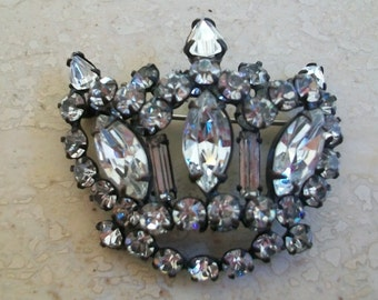 Rhinestone crown brooch, vintage, figural, blackened, japanned, prong set, figural, tiered, crystal
