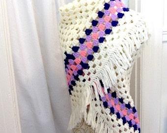 Hand Crochet shawl, Cream Shawl, evening shawl, hand made shawl, womans knit shawl wedding shawl, boho shawl, hippie shawl evening wrap