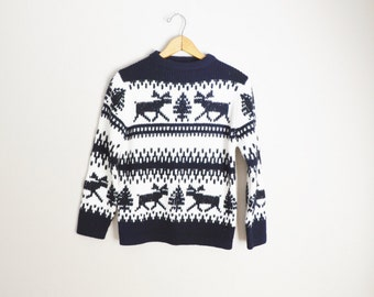 Vintage 50s 60s White Black Reindeer Winter Christmas Holiday Sweater // Acrylic/ womens small