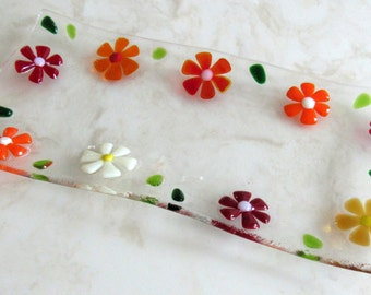 Fused Glass Plate, Fused Glass Sushi Plate, Mother's Day Glass Gift, Red Glass Flowers, Fused Glass Daisy, Glass Appetizer Dish