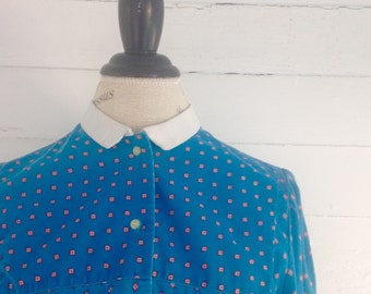 Vintage 1980s Cobalt Blue Retro Print Blouse w White Collar, Cuffs