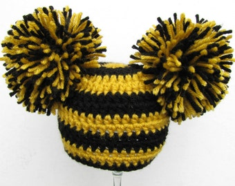 RTS Steelers baby crochet giant pom pom hat - 0-3 months size black and gold Pittsburgh Steelers Penguins Pirates