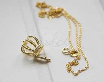 One Piece / Gold Plated / 925 Sterling Silver / Necklace with Crown Pendant
