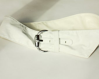 White pu Vintage Belt  ... a Fashionista Statement Piece can fit for S and M