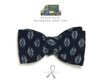 Men's bow tie / self tie - just handmade bowties by Bagzetoile