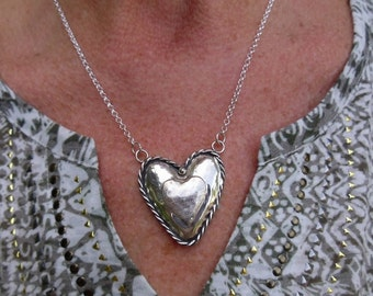 R53--Double Puffy Heart Pendant