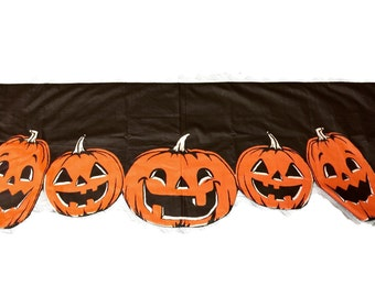 SALE Vintage 1970s Halloween Jack O Lantern Pumpkin Banner table runner valance WAS 42.50  87 x 18 black and orange fabric