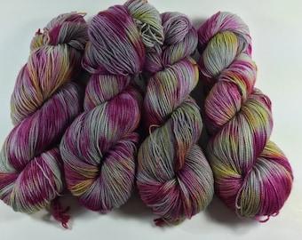 BFL Twist, Sock Yarn, Hand Dyed Yarn, Unripe Fig, Superwash BFL, blue faced leicester, High Twist, Multi Colored Yarn, yarn