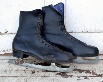 Men's Black Vintage Ice Skates Christmas Winter Door Porch Decoration Craft Repurpose Upcycle