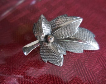 Vintage Sterling Silver Leaf By Beau Sterling Pin/Brooch 1950s to 1960s Single Leaf Fall/Autum Signed