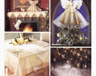 Simplicity 9449 Christmas Decorations; Tree Top Angel, Mantel Scarf, Tablecloth, Stocking, Place Mats, Tree Skirt, Runner, Uncut Pattern
