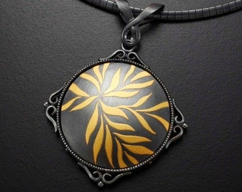 Thriving leaves round Keum Boo silver art pendant necklace
